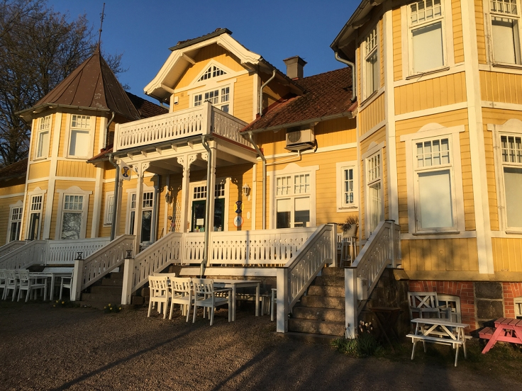 STF:s charmiga boende i Röstånga, Villa Söderåsen, som ligger precis utanför nationalparksgränsen, vid turistbyrån