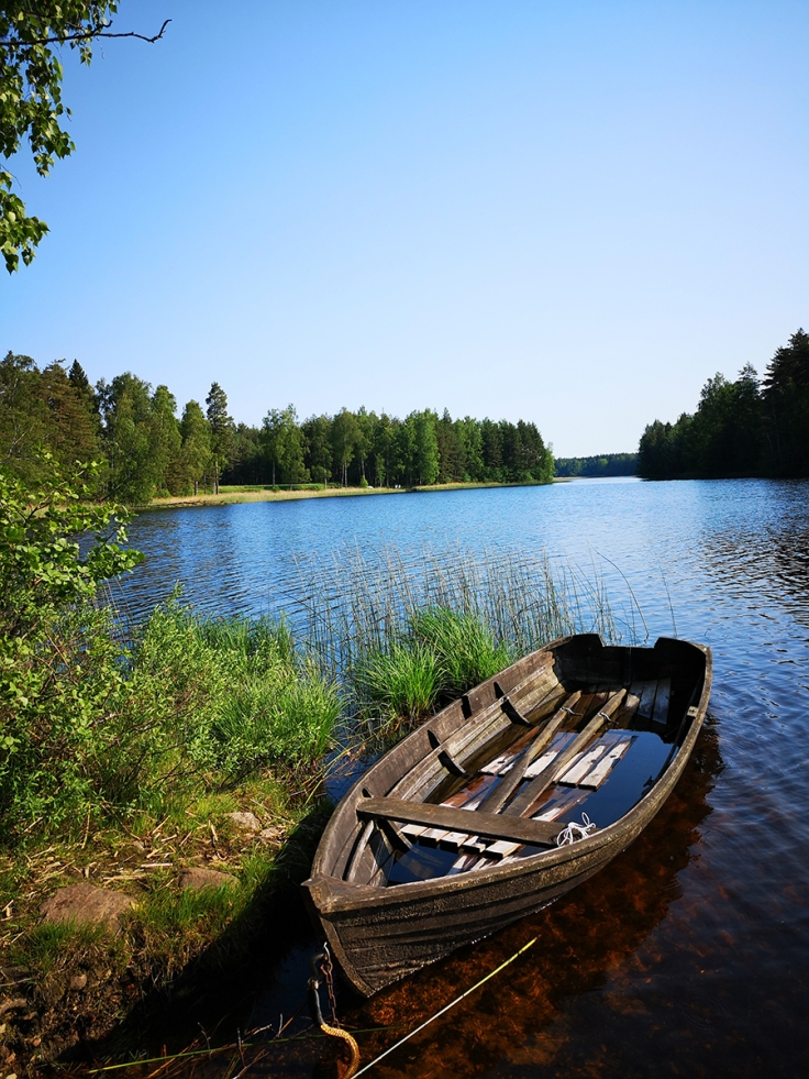 Vid badbryggan i sjön Avlången