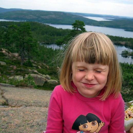 Min (då) 4-åriga dotter uppe på Slåttdalsskrevan