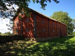 En älde ladugård vid Horns kungsgård